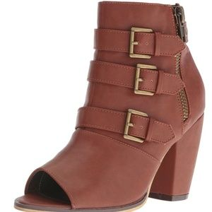 Michael Antonio brown ankle boots 7.5